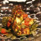 Aguacate a la plancha con mojo verde y sambal de tomate