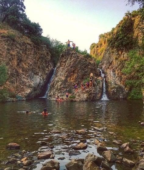 Especial piscinas naturales un buen d a en madrid for Piscinas san agustin burgos