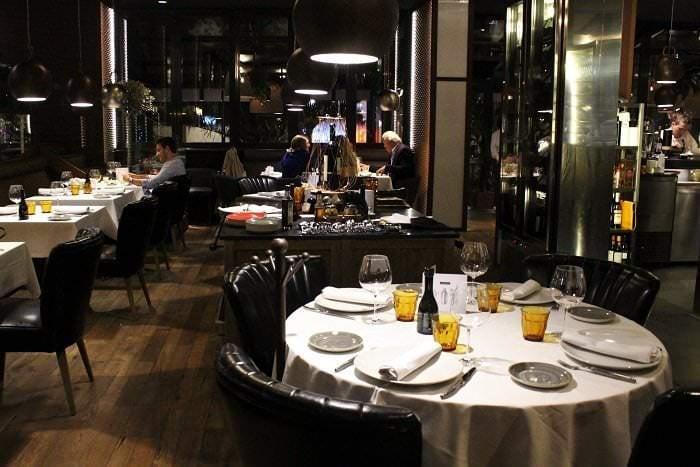 Interior del restaurante Rocacho