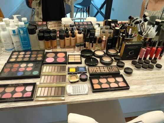 Set de maquillaje para los cursos de automaquillaje