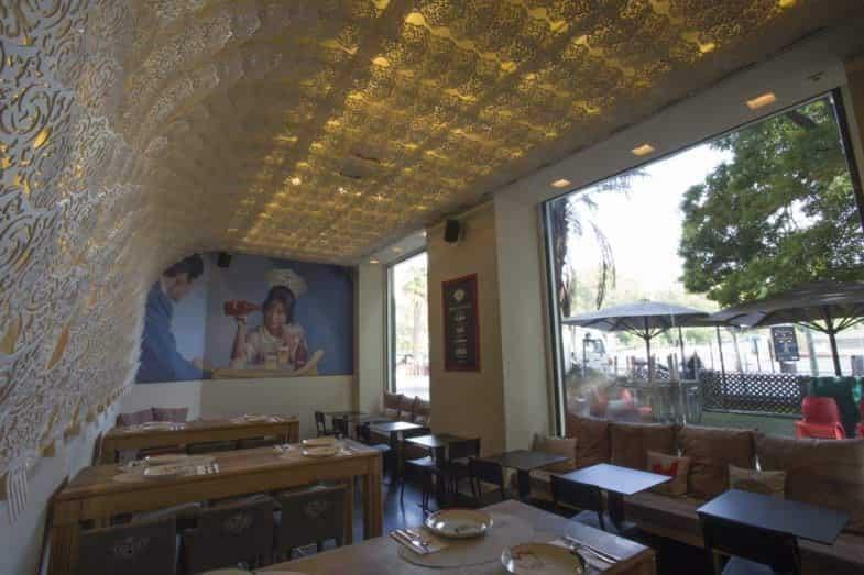 Interior y comedor del restaurante estado puro