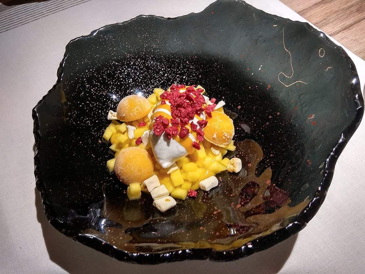 Postre especial de puro mango