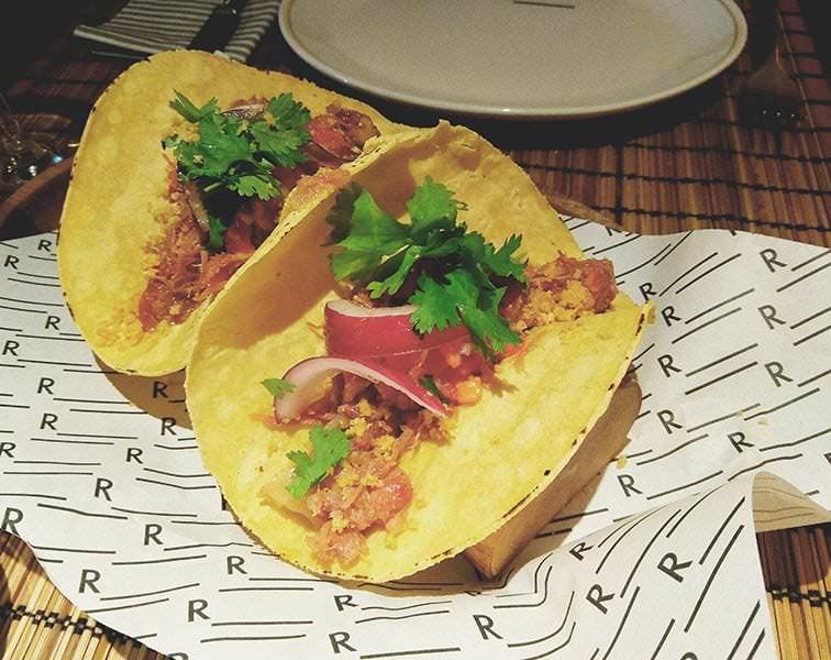 Tacos mexicanos de cerdo asado