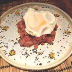 Tartar de atún rojo con huevo