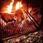 Carne a la parrilla en restaurante Avec