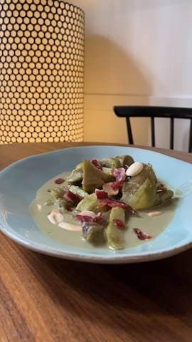 Alcachofas eco, en salsa verde.
