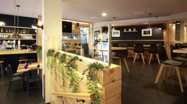 Interior restaurante Arzúa