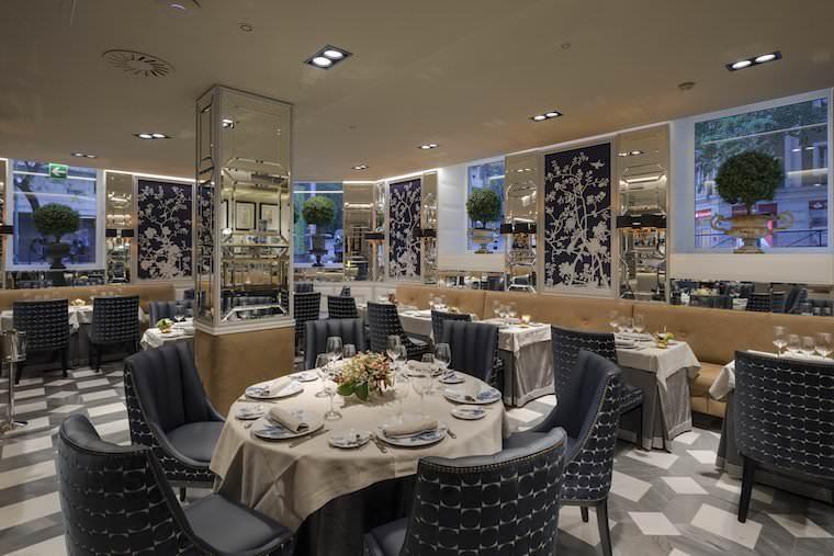 Interior restaurante Haroma