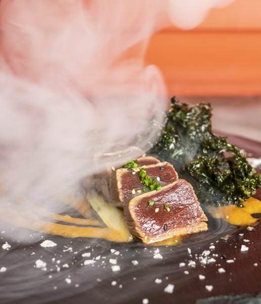 Tataki de atún ahumado