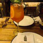 Cóctel con spritz en Zoko restaurante