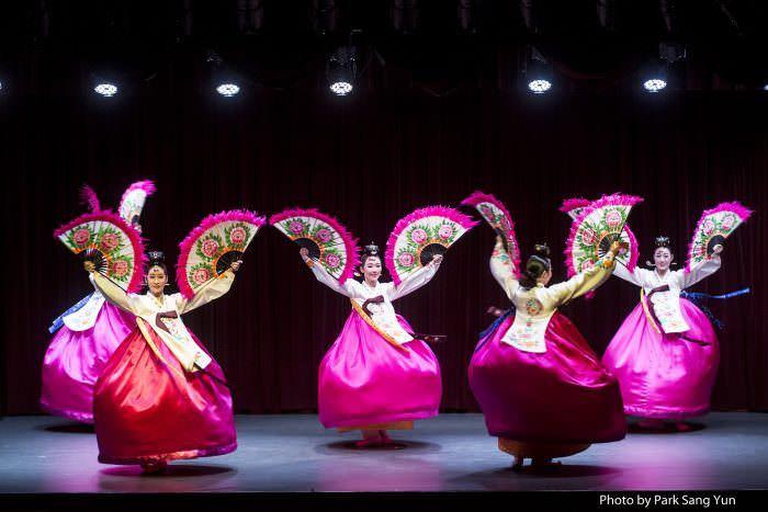 Poong Ryu by Gukak E_sang & Yummyunghwa Dance company
