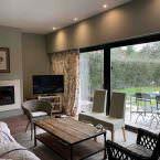 Salón del bungalow con dos habitaciones, HB Pinar