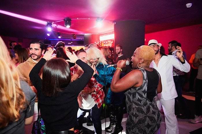 club nocturno vice raw bar