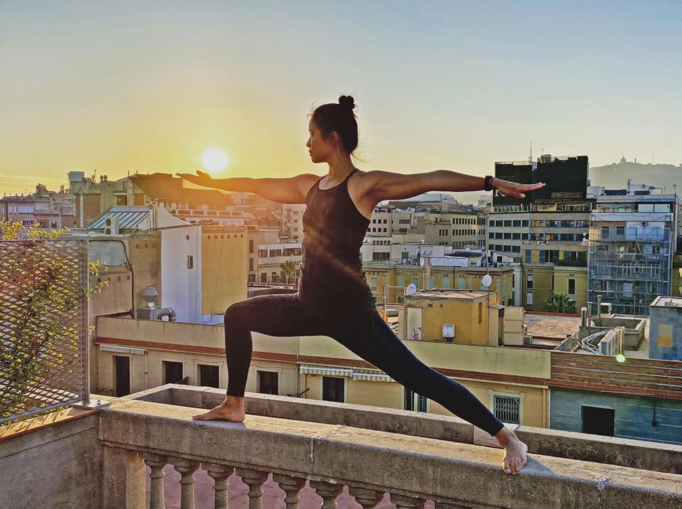 10 referentes de yoga para practicar en casa - Un buen día en Madrid