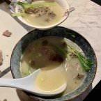 Sopa elaborada con la carcasa del pato