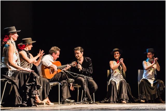 Los clásicos de Nino Bravo, Raphael, y Carlos Cano - Un buen día en Madrid